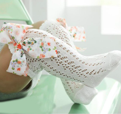 Itty Bitty White With Floral Bow Knee Socks